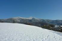 Lipberg mit Hochblauen Berg Schneelandschaft  Bild: © K. Schmeißer